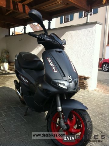 Gilera  Runner 50 SP 2004 Scooter photo