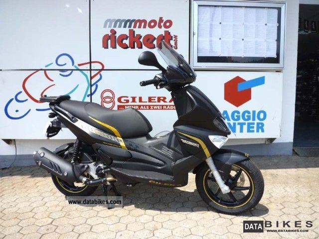 2011 Gilera  RUNNER 125/200 ST FACELIFT ALL COLORS Motorcycle Scooter photo