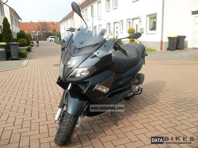 2009 Gilera  Nexus 125 Motorcycle Lightweight Motorcycle/Motorbike photo