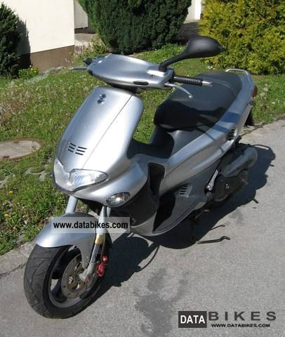2000 Gilera  Runner 180 FXR Motorcycle Scooter photo