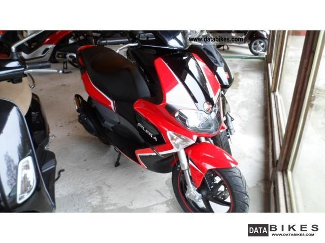 2011 Gilera  Runner 50 Motorcycle Scooter photo