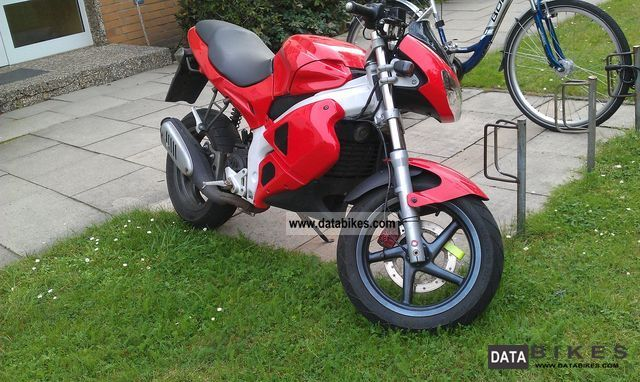 Gilera  DNA 50 motorcycle look 2000 Scooter photo