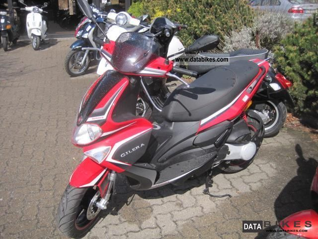 2011 Gilera  Runner 50 Purejet Mod 2010 Delivery nationwide Motorcycle Scooter photo