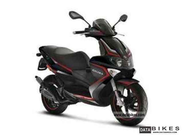2011 Gilera  Runner 50 Purejet Mod. 2011 Delivery nationwide Motorcycle Scooter photo