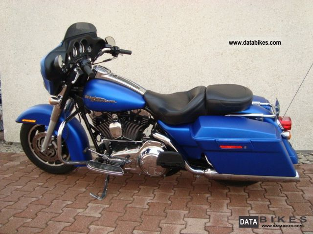 2008 Harley Davidson  Street Glide blue mat Motorcycle Chopper/Cruiser photo
