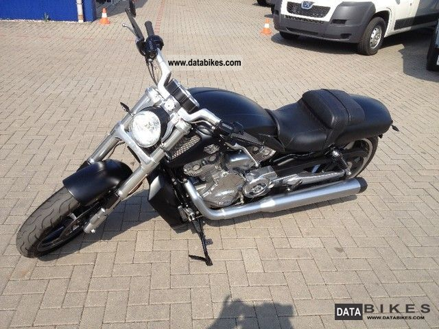 2010 Harley Davidson  -Later V-Rod Muscle Motorcycle Chopper/Cruiser photo