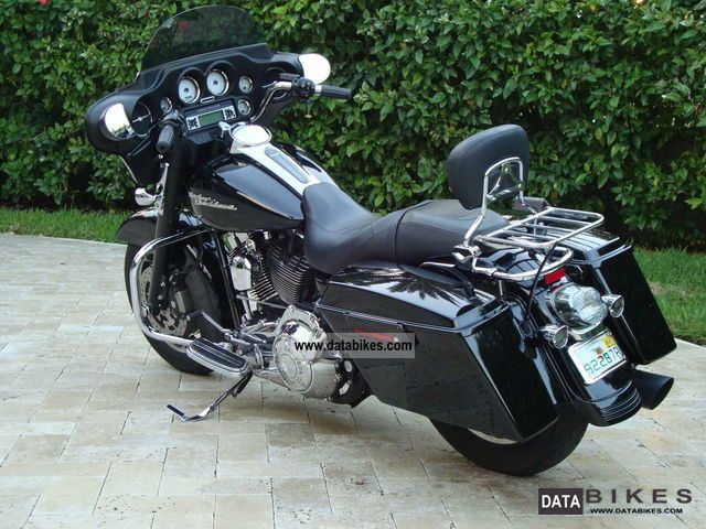2008 Harley Davidson  Street Glide Motorcycle Chopper/Cruiser photo
