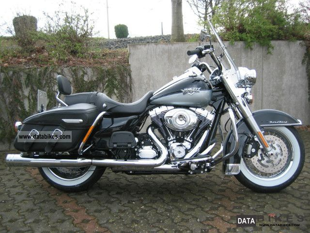 2012 Harley Davidson FLHRC Road King Classic
