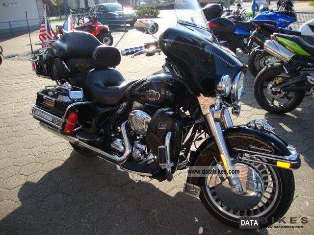 Harley Davidson  FLHTCU Electra Glide 2009 Motorcycle photo