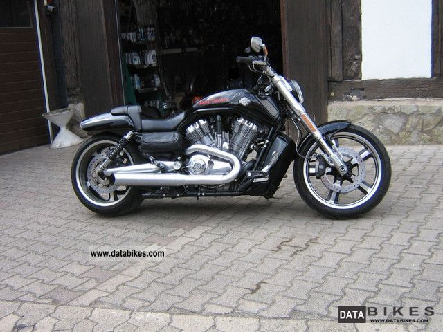 2011 Harley Davidson  V-Rod Muscle Motorcycle Chopper/Cruiser photo