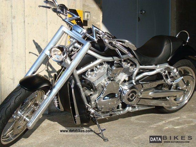 2004 Harley Davidson  VRSCAW Motorcycle Chopper/Cruiser photo