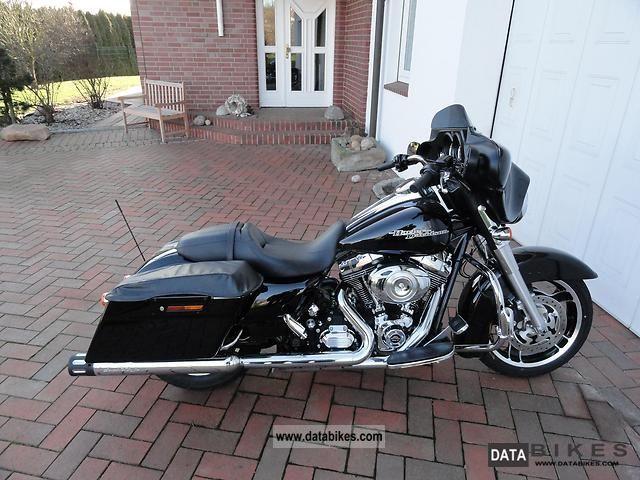 2011 Harley Davidson  FLHX Street Glide with 2 liter engine Motorcycle Chopper/Cruiser photo
