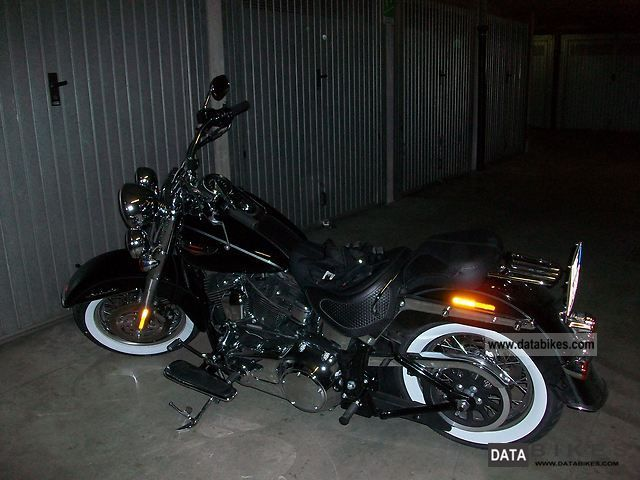 2011 Harley Davidson  HARLEY SOFTAIL DELUXE 2011 ABS - NERA 3300 KM Motorcycle Chopper/Cruiser photo
