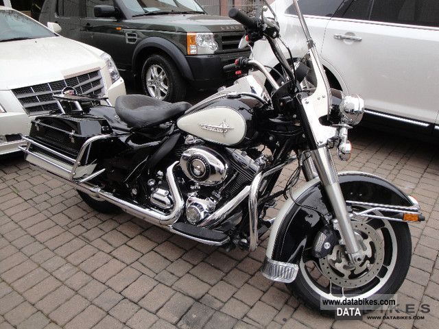 2010 Harley Davidson  Six-speed Road King Police ABS FLHP 2010! Motorcycle Chopper/Cruiser photo