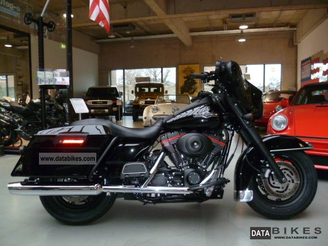 2006 Harley Davidson  FLHTCUI Ultra Classic Dark Series Motorcycle Chopper/Cruiser photo