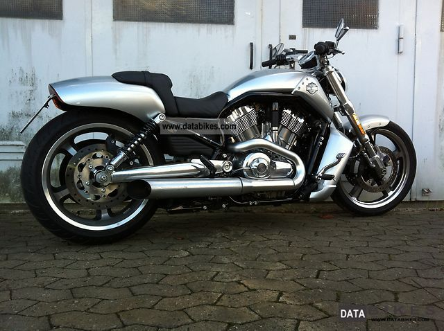 Harley Davidson  -Later V-Rod Muscle 2011 Chopper/Cruiser photo