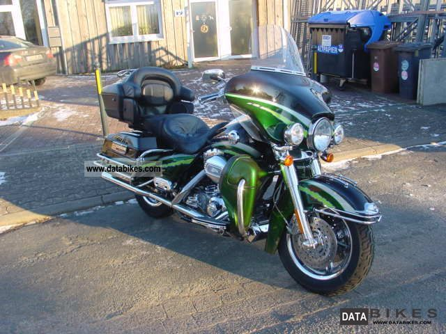 2006 Harley Davidson  CVO Ultra FLHTCUSE Motorcycle Tourer photo