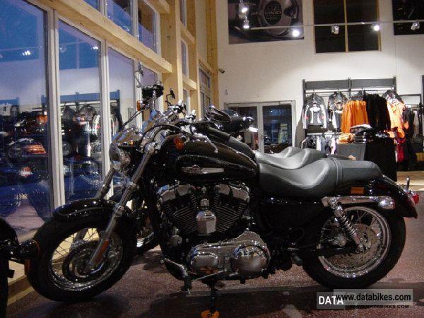 2011 Harley Davidson  1200CUSTOM SPORTSTER vivid black-2012 Motorcycle Sports/Super Sports Bike photo