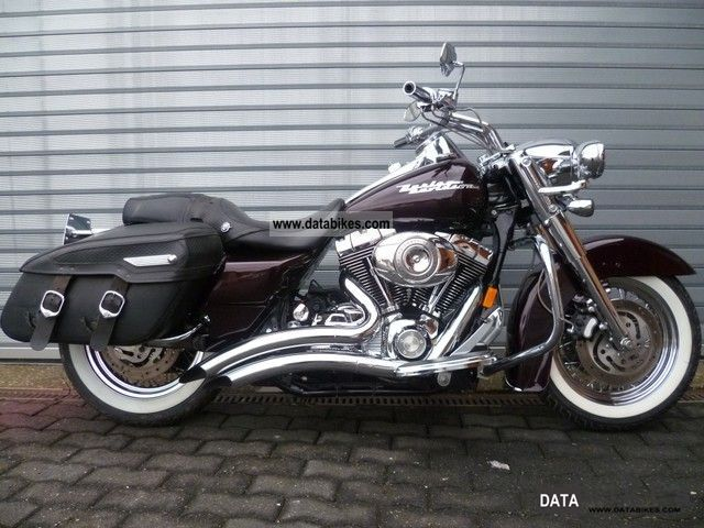 2007 Harley Davidson  FLHRC Road King Custom with great extras! Motorcycle Chopper/Cruiser photo