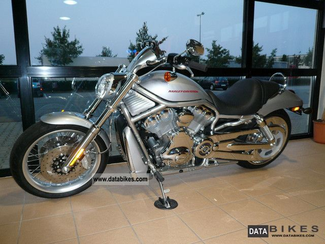 2011 Harley Davidson  V-Rod, VRSCAW Motorcycle Chopper/Cruiser photo