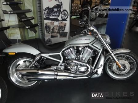 2011 Harley Davidson  VRSCAW V-Rod Motorcycle Chopper/Cruiser photo