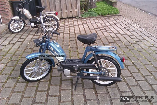 Hercules  Prima 4 only 700 KM former school moped 1979 Vintage, Classic and Old Bikes photo