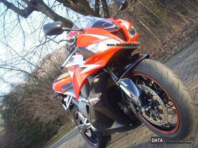 Honda  CBR 600RR 2010 Sports/Super Sports Bike photo