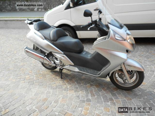 Honda  silver wing 600 ABS 2009 Scooter photo