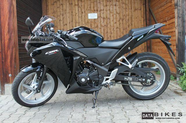 2011 Honda  CBR 250R Motorcycle Motorcycle photo