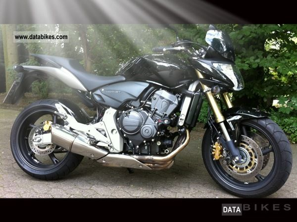 2007 Honda  PC41 Motorcycle Naked Bike photo