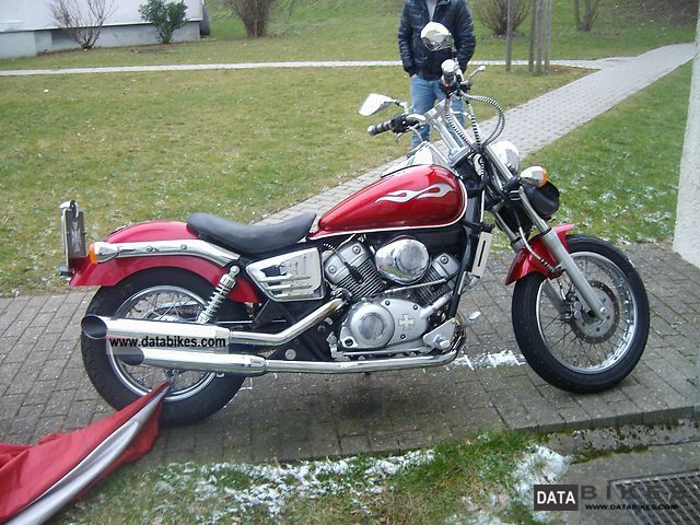 1999 Honda  Shadow VT 125 Motorcycle Chopper/Cruiser photo