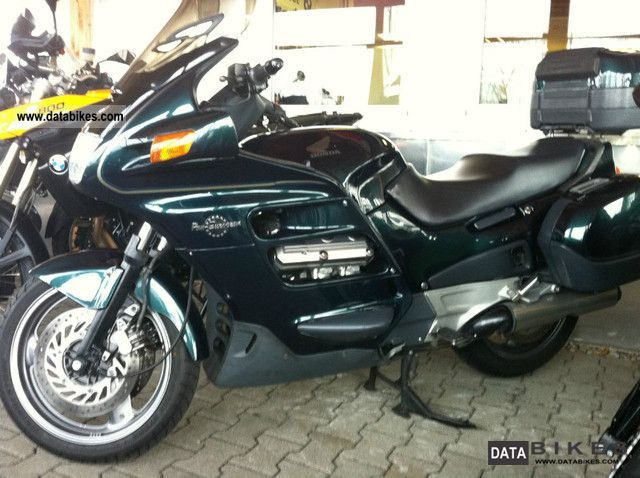 2000 Honda  Pan European Motorcycle Tourer photo