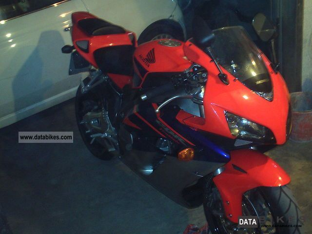 2005 Honda  Cbr 100 rr firblade - 2005 Motorcycle Sports/Super Sports Bike photo