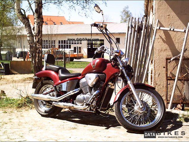 1991 Honda  VT 600 Motorcycle Chopper/Cruiser photo
