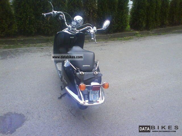 2000 Honda  shadow Motorcycle Scooter photo