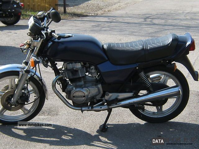 Honda  CB 400 1979 Vintage, Classic and Old Bikes photo