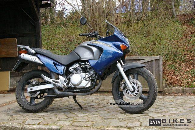 2003 Honda  Varadero 125 Motorcycle Lightweight Motorcycle/Motorbike photo