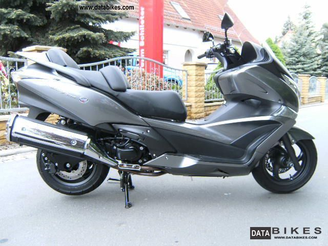 2011 Honda  SWT 400 ABS a few km Motorcycle Scooter photo