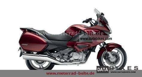 2011 Honda  NT700 Deauville ABS incl ** Travel Package ** Motorcycle Tourer photo
