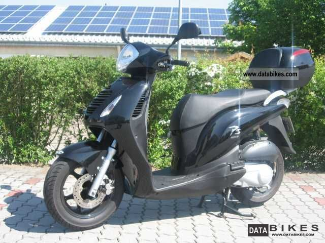 2009 Honda  125 PSI Motorcycle Scooter photo