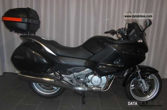 2011 honda nt 700 deauville abs travel edition 50 years. Black Bedroom Furniture Sets. Home Design Ideas