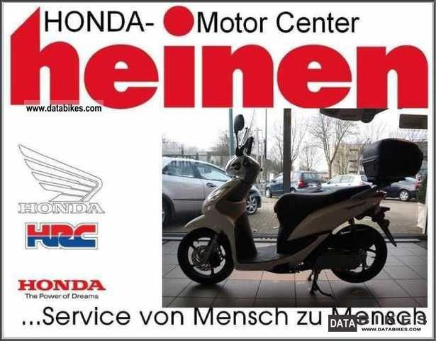 2011 Honda  Vision 50 ** MCH EDITION ** Motorcycle Scooter photo
