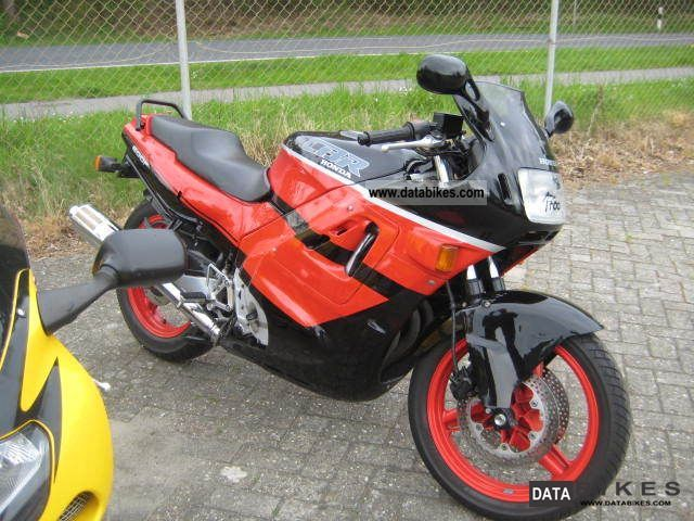 1990 Honda  CBR 600 F Motorcycle Sports/Super Sports Bike photo