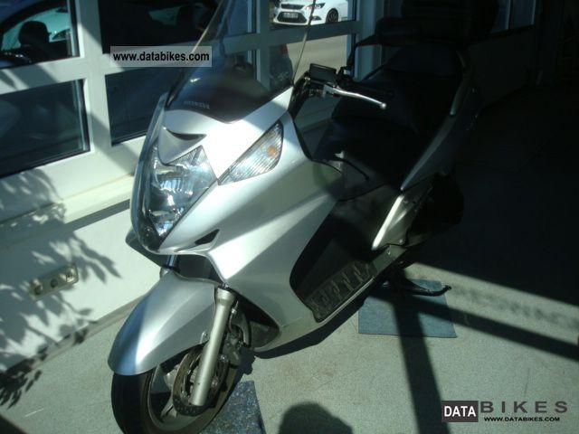 2002 Honda  Silver Wing Motorcycle Chopper/Cruiser photo