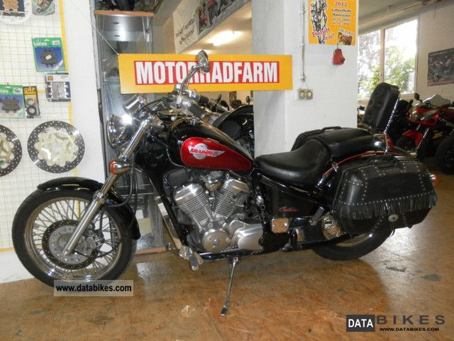 1994 Honda  VT600 C Shadow with suitcases .... Motorcycle Chopper/Cruiser photo