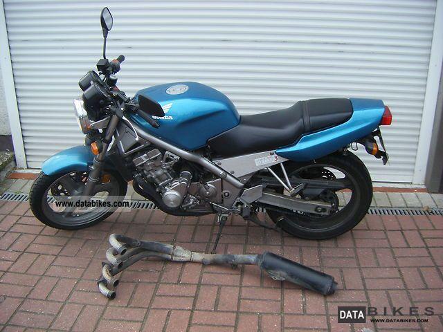 1993 Honda CB1 CB400 NC27. databikes.com.