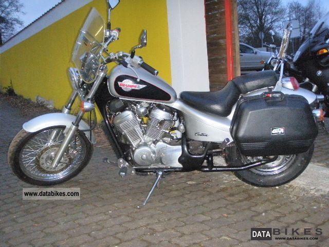 1994 Honda  VT 600 C Motorcycle Motorcycle photo