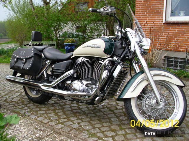 1999 Honda  vt 1100 cs Motorcycle Chopper/Cruiser photo