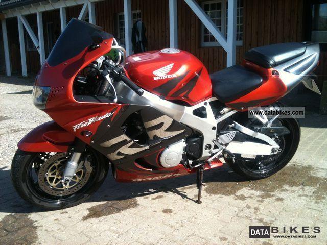 Honda  CBR Fireblade SC33 1999 Sports/Super Sports Bike photo