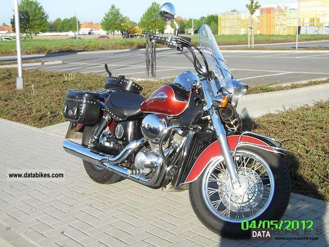 2001 Honda  Shadow VT 750 C2 Motorcycle Chopper/Cruiser photo
